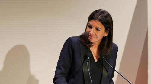 Paris : le stationnement payant en surface sera privatisé en 2018, annonce Hidalgo