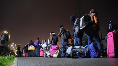 """Jungle"" de Calais : qu'est-ce qui attend les migrants évacués?"