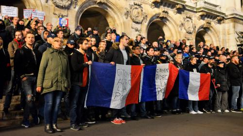 Colère des policiers : les syndicats appellent à des rassemblements silencieux