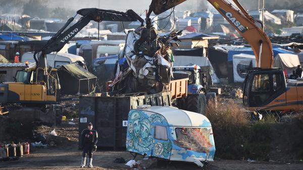 """Démantèlement de la """"jungle"""" de Calais : les voisins satisfaits mais vigilants"""