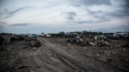 """VIDEO. Que va devenir la Lande de Calais après le démantèlement de la """"jungle"""" ?"""