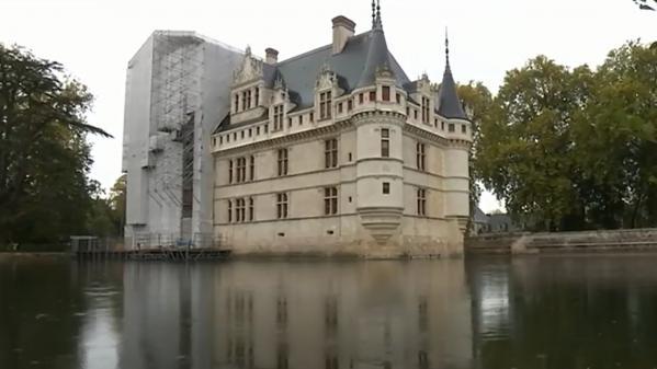 Fenêtre sur : le château d'Azay-le-Rideau