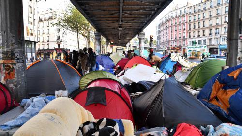 """DIRECT. Migrants : après le démantèlement de la """"jungle"""" de Calais, la pression s'accroît sur les campements de Paris"""
