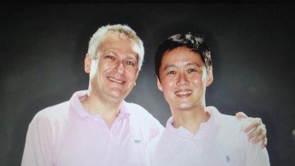 Guillaume&ampnbspLévy-Lambert et son compagnon Mark Goh, architecte : &quot&ampnbspLongtemps, l'art n'a pas été très important à Singapour. &quot