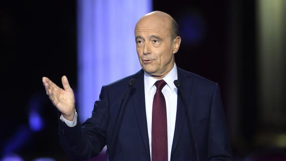 Alain Juppé lors du deuxième débat télévisé entre les candidats à la primaire à droite, le 3 novembre 2016.