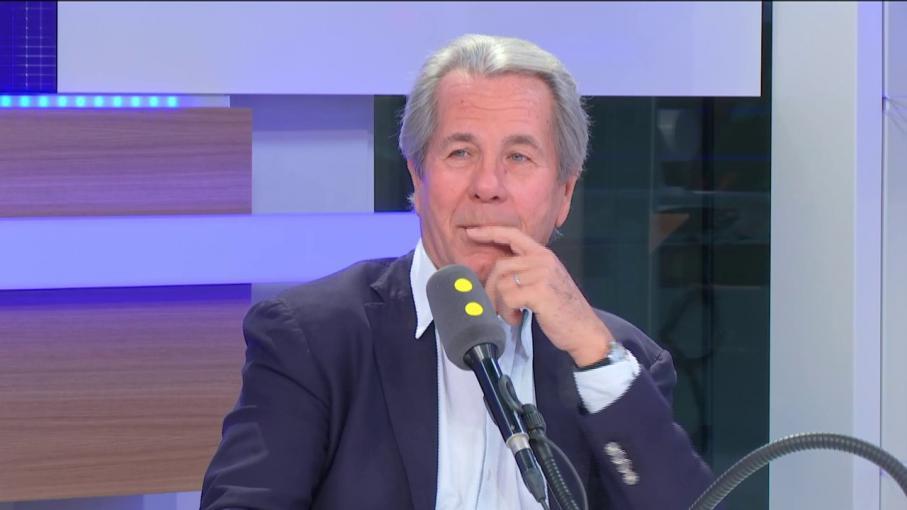 """""""A quand les députés en bermuda ?"""" : Jean-Louis Debré s'indigne du """"ni cravate ni veste"""" accepté à l'Assemblée"""
