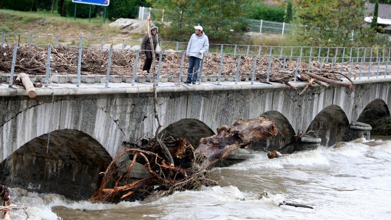 Une rivière en crueen Ardèche, le 22 janvier 2008.
