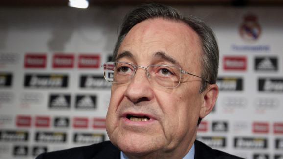 Le président du Real Madrid, Florentino Perez, en conférence de presse, le 26 mai 2010.
