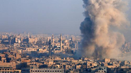 Syrie : la ville d'Alep en passe de tomber aux mains du régime