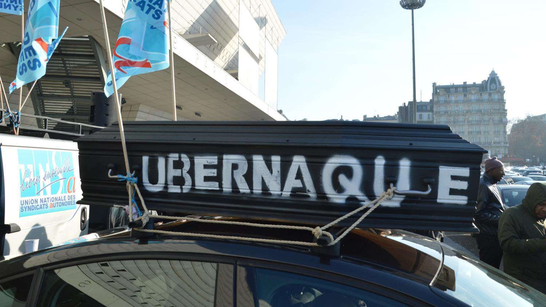 Conflit taxis vtc une loi en examen for Resultat examen taxi 2017 chambre des metiers