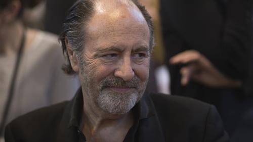 """""""Photos souvenirs"""" : un album de reprises par Michel Delpech, cinq ans après sa disparition"""