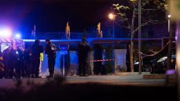 Des policiers enquêtant sur une scène de crime à Marseille, le 21 octobre 2016.