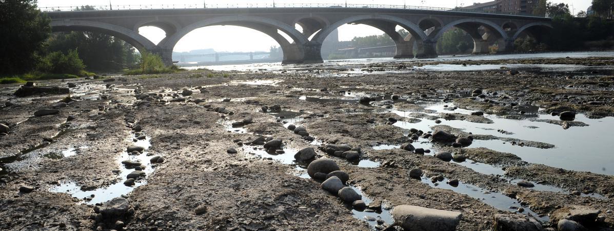 La Garonne, près du pont des Catalans à Toulouse, le 11 septembre 2012.