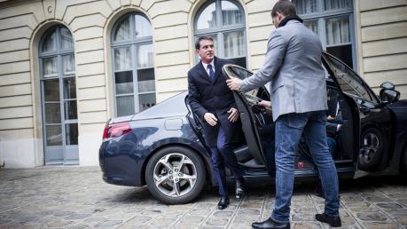 Primaire de la gauche : Valls fait la course en tête, selon un sondage