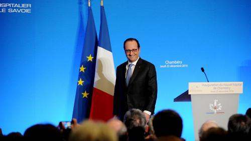 """""""Je pourrai prétendre revenir avec la musique pop"""" : François Hollande plaisante sur son avenir en politique"""