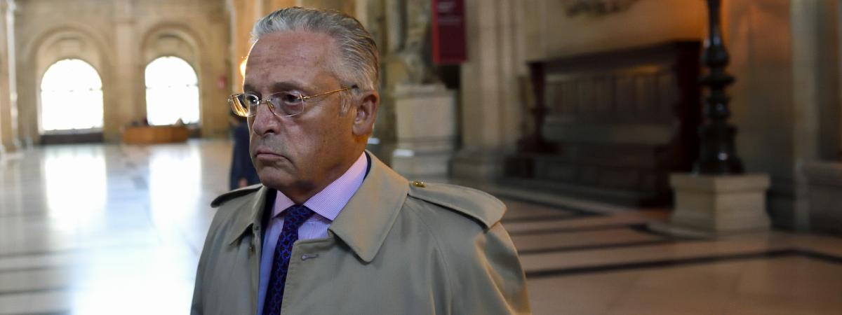 Le marchand d\'art Guy Wildenstein arrive au tribunal de Paris pour son procès, le 22 septembre 2016.