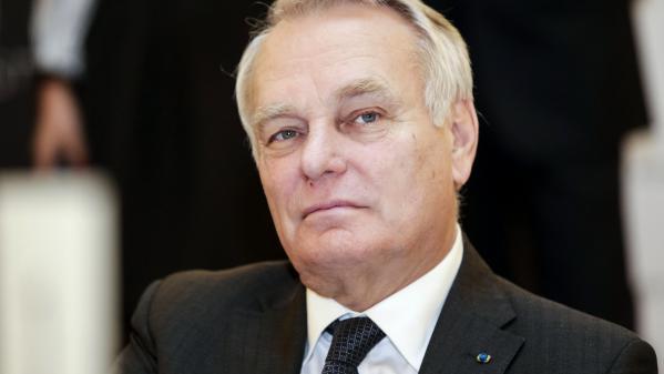 """Jean-Marc Ayrault : """"La décision de François Hollande est noble, digne et courageuse"""""""