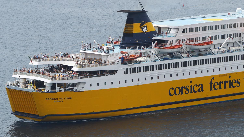 un navire corsica ferries finit par rallier le port de bastia apr s avoir t bloqu 24 heures. Black Bedroom Furniture Sets. Home Design Ideas