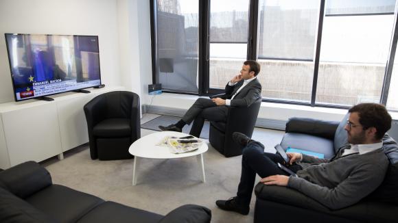 c 39 tait comment qg de campagne chez macron. Black Bedroom Furniture Sets. Home Design Ideas