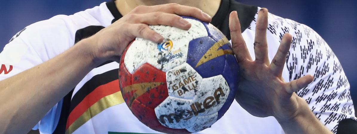 """Résultat de recherche d'images pour """"handball ballon"""""""