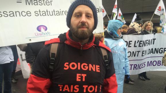 Tony, 34 ans, infirmier libéral, lors de la manifestation du 24 janvier 2017, à Paris.