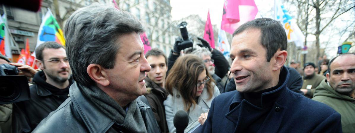 Jean-Luc Mélenchon et Benoît Hamon, le 21 janvier 2010 lors d\'une manifestation à Paris.