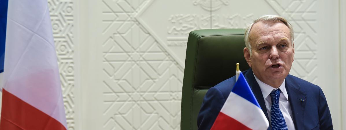 Le ministre des Affaires étrangères, Jean-Marc Ayrault, donne une conférence de presse à Riyad (Arabie saoudite), le 24 janvier 2017.