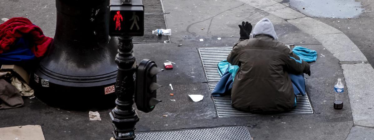 Le nombre de sans domicile fixe a augmenté de 50 % en dix ans, selon la Fondation Abbé Pierre.