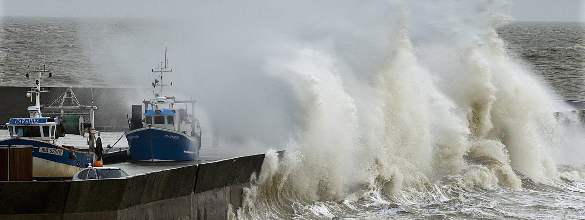 Des vents forts atteignant 140 km/h à Pornic (Loire-Atlantique), le 8 février 2016.