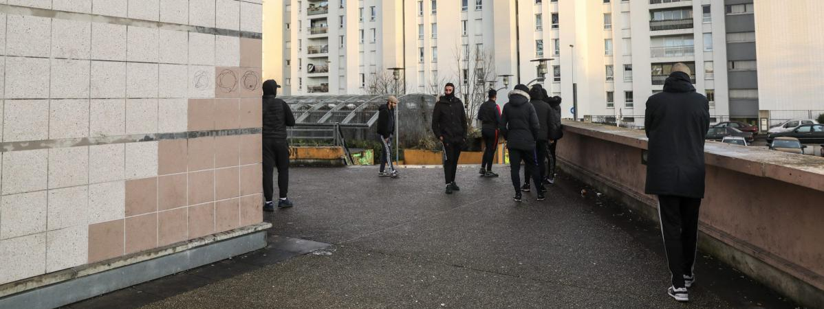 arrestation aulnay sous bois ouverture d 39 une information judiciaire contre quatre policiers. Black Bedroom Furniture Sets. Home Design Ideas