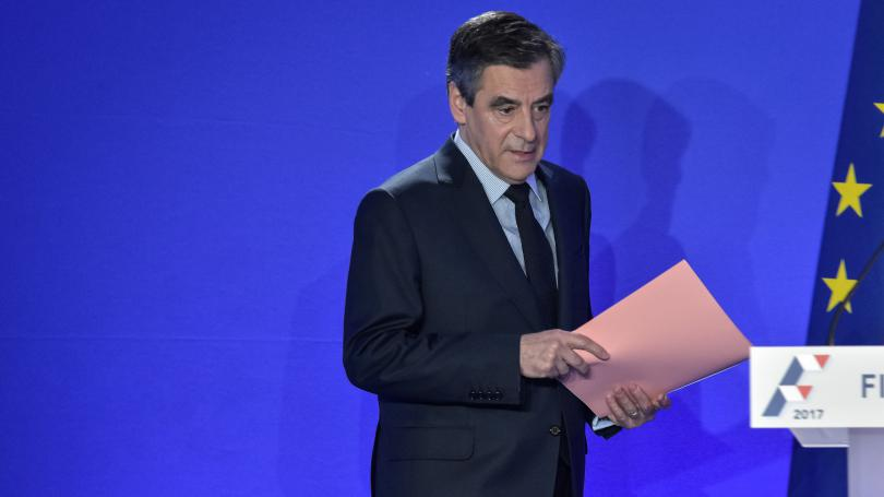 DIRECT. François Fillon chiffre à 680 000 euros net la rémunération parlementaire totale de son épouse