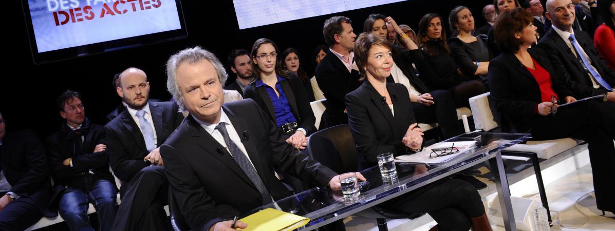 """Franz-Olivier Giesbert, lors de l\'émission \""""Des paroles et des actes\"""" sur France 2, le 6 mars 2012."""