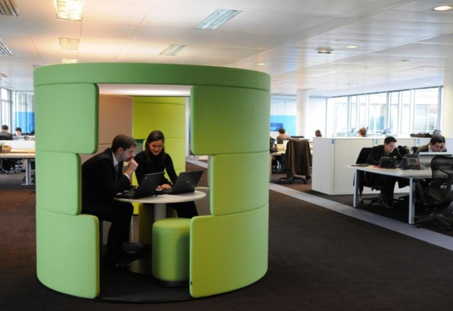 Les avantages de travailler en open space pour une équipe de