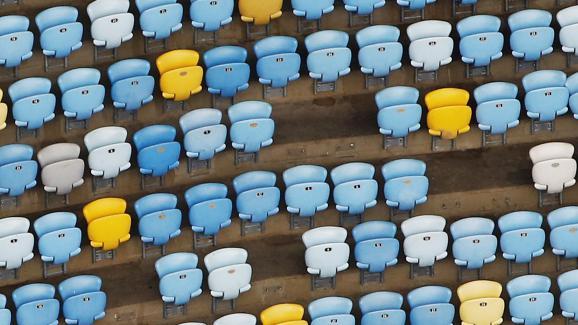 Une vue aérienne des tribunes du stadeMaracanã, où des sièges se sont décrochés, le 12 janvier 2017.