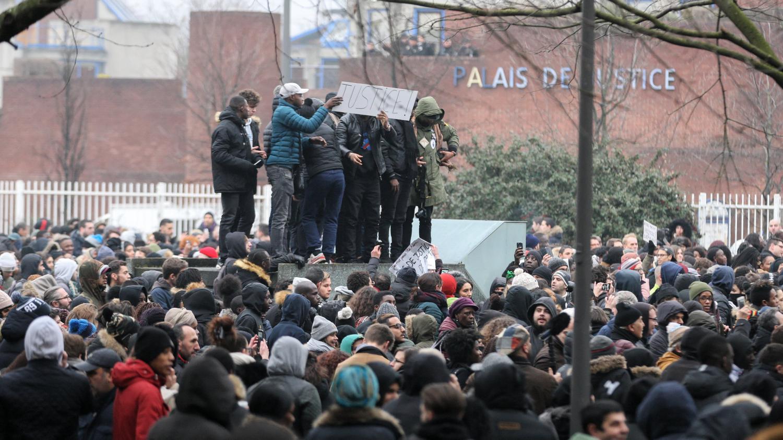 Affaire th o les violences urbaines en comparution for Chambre 13 tribunal bobigny