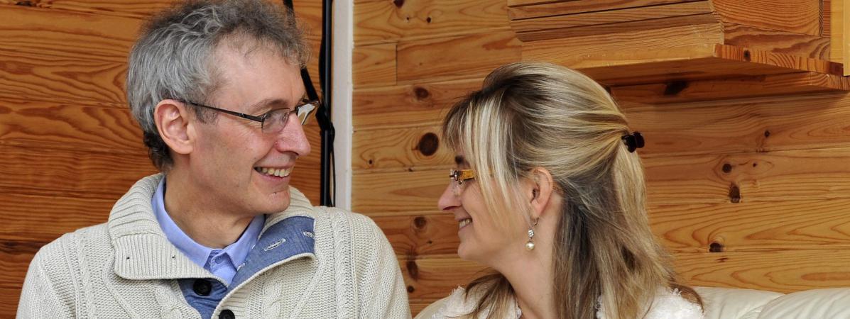 """Pierre Blanc a renoncé à être prêtre \""""par amour pour Christine\"""", en 2010. En 2015, il a écrit un livre sur son histoire."""