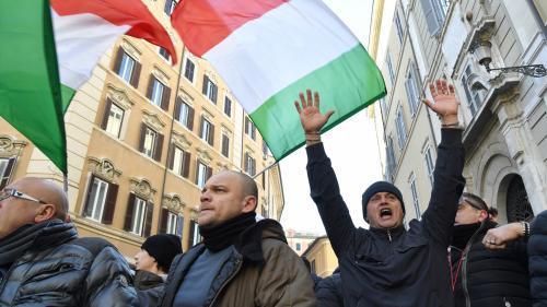 VIDEO. Des centaines de chauffeurs de taxi manifestent à Rome contre la concurrence des  VTC