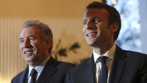 Présidentielle : six Français sur dix approuvent le ralliement de Bayrou à Macron