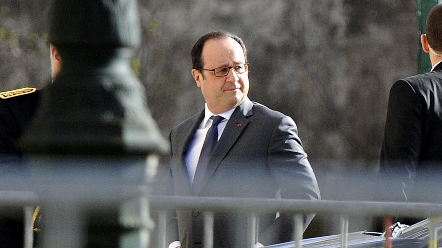 Video fran ois hollande d bute sa visite au salon de l for Hollande salon agriculture