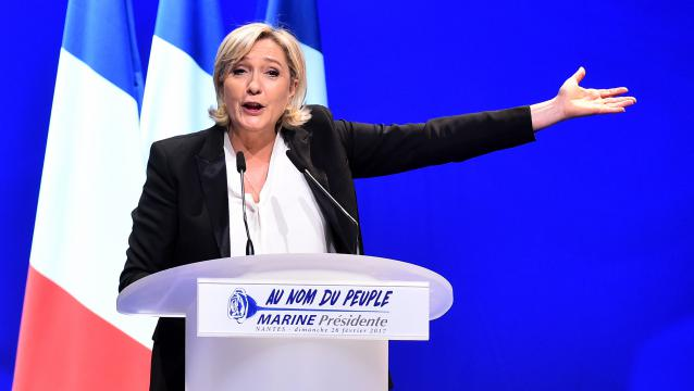 Présidentielle 2017 : quand Marine Le Pen drague les syndicats