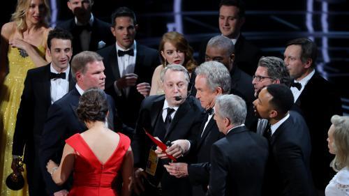 """""""Moonlight"""" sacré meilleur film après un énorme couac, pas de statuette pour Huppert... Ce qu'il faut retenir des Oscars"""