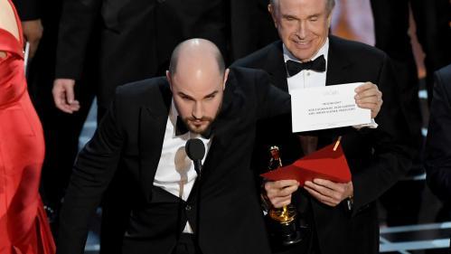 """Oscars 2017 : ce que l'enveloppe du """"meilleur film"""" disait vraiment (selon internet)"""