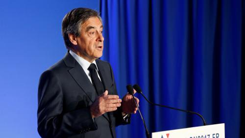 """Présidentielle 2017 : François Fillon """"reste sur la même ligne de conduite"""""""