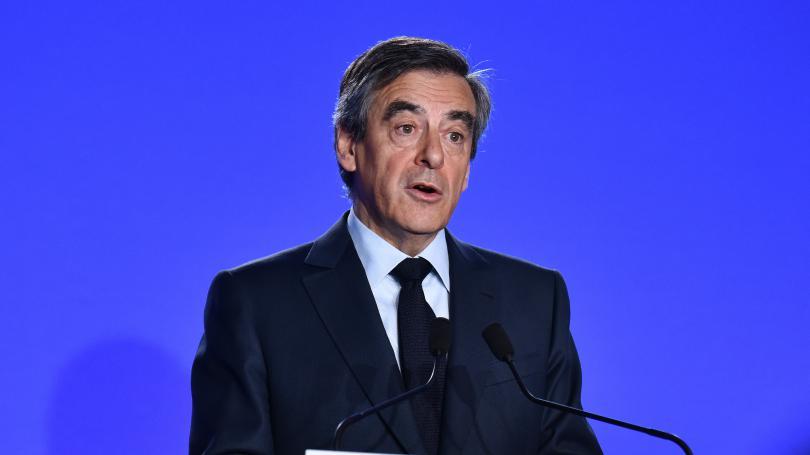 François Fillon est-il, comme il le dit, victime d'un traitement partial de la justice ?