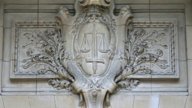 """""""Fin limier"""", """"capable de tout"""", """"affûté""""... Qui est Serge Tournaire, le juge en charge de l'affaire Fillon?"""
