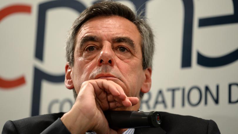 """DIRECT. Présidentielle : le comité politique des Républicains renouvelle """"à l'unanimité son soutien"""" à François Fillon"""