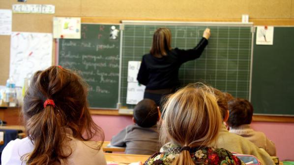 """INFO FRANCEINFO. Présidentielle : quand le rectorat de Lille interdit aux enseignants de participer """"à toute manifestation"""" politique"""