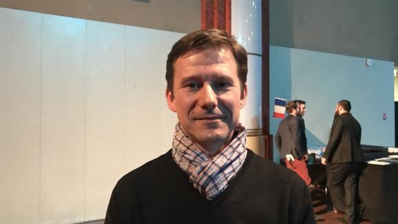 Fabien, 43 ans, adhérent de l\'UPR, lors d\'un meeting de François Asselineau à Saint-Denis (Seine-Saint-Denis), le 14 mars 2017.