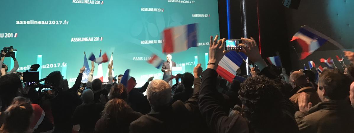 Le candidat de l\'UPR à l\'élection présidentielle, François Asselineau, lors d\'un meeting à Saint-Denis (Seine-Saint-Denis), le 14 mars 2017.