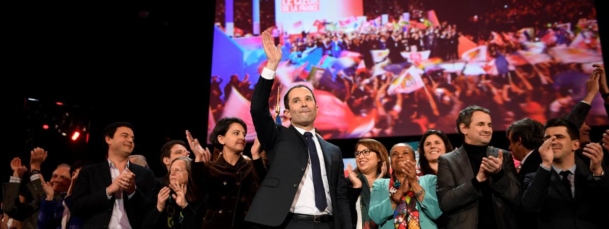 Benoît Hamon en meeting à Bercy, à Paris, le 19 mars 2017